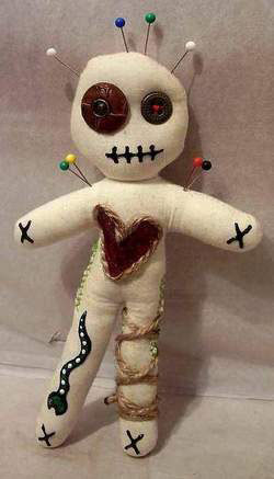 Pins & Needles: The Art of the Voodoo Doll   HNN