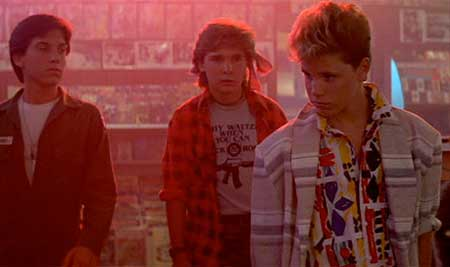 The-Lost-Boys-1987-movie-4