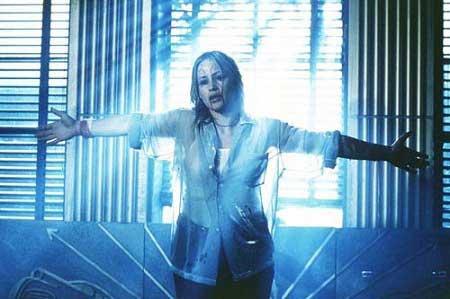 Stigmata-1999-movie-4.jpg
