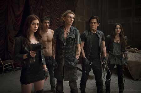 The-Mortal-Instruments-City-of-Bones-2013-Movie-2