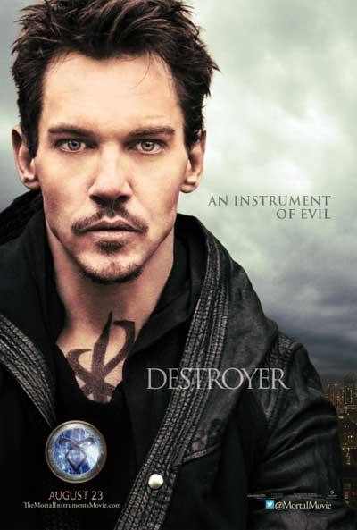 The-Mortal-Instruments-City-of-Bones-2013-Movie-6