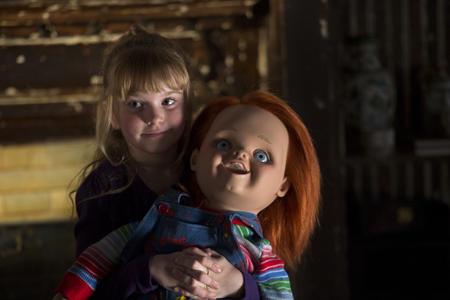 Alice holding chucky