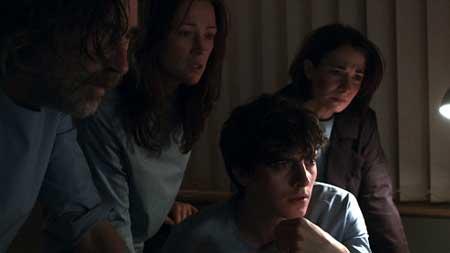 The_Facility-2012-Movie-7