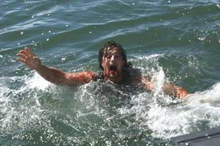 Malibu-Shark-Attack-2009-Movie-1