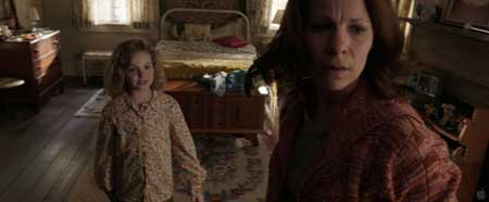 The_Conjuring_2013-Movie-Scary-9