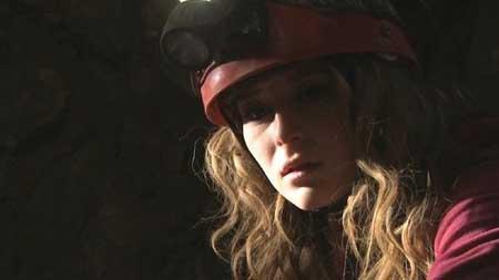 Abandoned-Mine_2013-movie-3