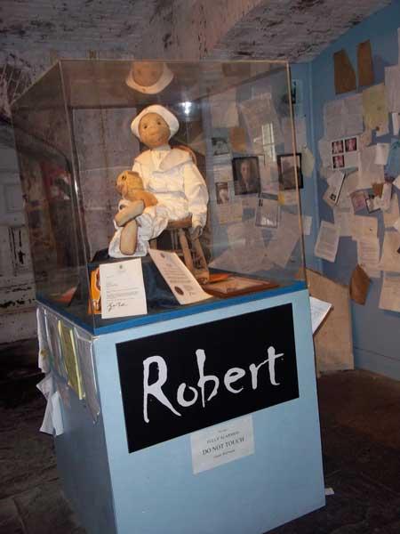 Robert-the-Doll-2