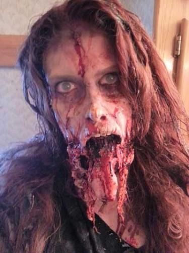Zombie-Hunter-2013-movie-2