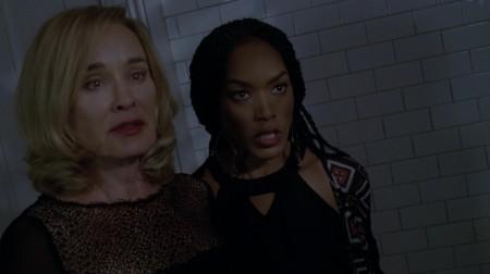American_Horror_Story_S03E10_Marie_Fiona