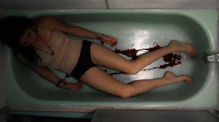 Deadly-Presence-Candace-Dead-Bathtub
