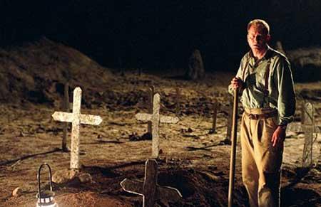 Exorcist-The-Beginning-2004-movie-Renny-Harlin-8