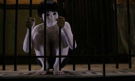 The-Grudge-2004-movie-Sarah-Michelle-Gellar-5