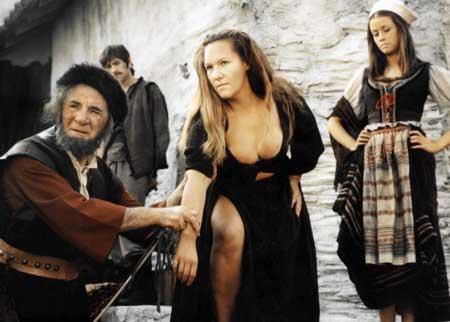 Countess-Dracula-1971-movie-Ingrid-Pitte-4