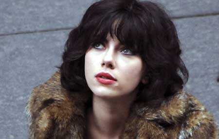 Under-the-skin-2013-movie-Jonathan-Glazer--Scarlett-Johansson-4