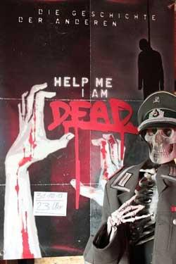 Help-Me-I-Am-Dead-Die-Geschichte-Der-Anderen-2013-(6)