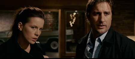 Vacancy-2007-movie-Kate-Beckinsale-Luke-Wilson-(2)