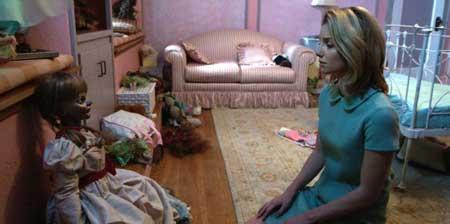 Annabelle-2014-horror-movie-John-R.-Leonetti-(9)