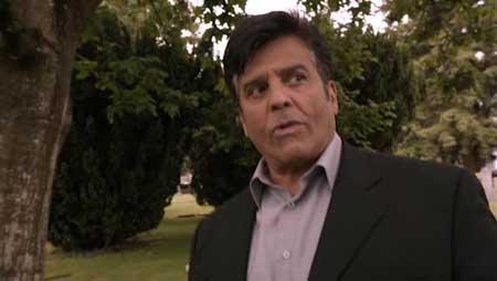 Chupacabra-VS-The-Alamo-2013-movie-Terry-Ingram-(2)