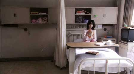 Ju-On-White-Ghost-Black-Ghost-movie-(1)