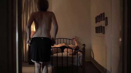 Shes-having-a-baby-(short-film)-by-Chris-and-Robert-Smellin.mp4.0006