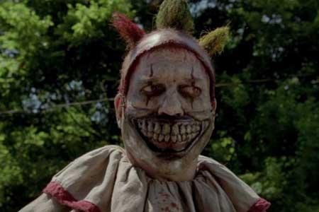 American-Horror-Story-Freak-Show-Twisty-clown-(3)