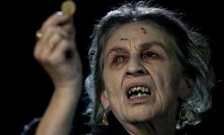 Lorna-Raver-as-Sylvia-Ganush-movie-Drag-Me-To-Hell-(2)