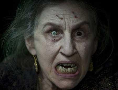 Lorna-Raver-as-Sylvia-Ganush-movie-Drag-Me-To-Hell-(3)