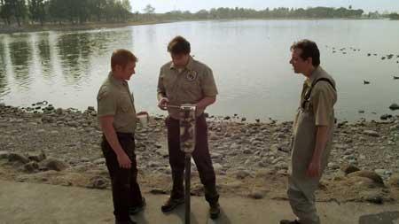 Blood-Lake-Attack-of-the-Killer-Lampreys-film-2014-(3)