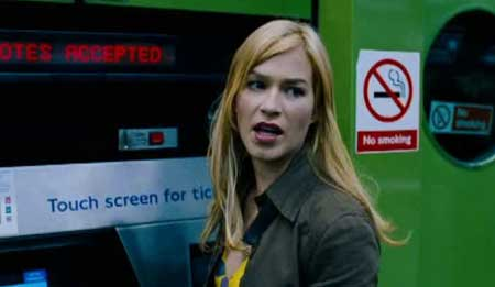 Creep-2004-movie-Christopher-Smith-(2)