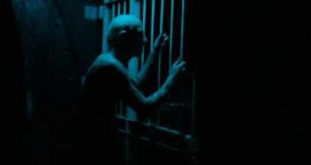 Creep-2004-movie-Christopher-Smith-(5)