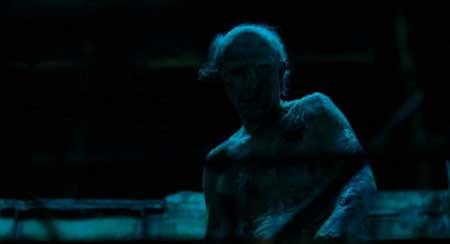 Creep-2004-movie-Christopher-Smith-(6)