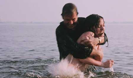 Hysteria-1997-movie-Amanda-Plummer-Rene-Daalder-(5)
