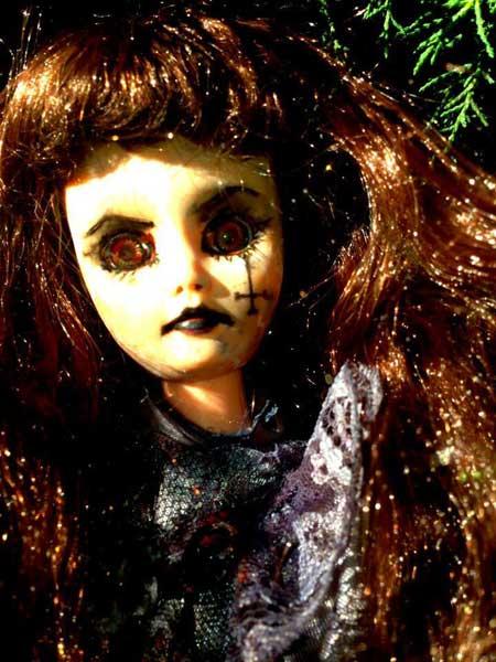 Jezebeth-Demon-Doll-1