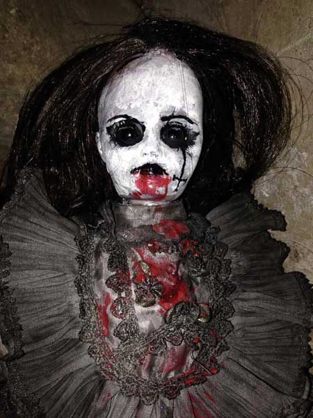 Jezebeth-Demon-Doll-3