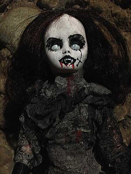 Jezebeth-Demon-Doll-6