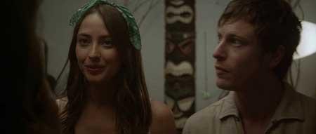 Starry-Eyes-2014-movie-Kevin-Kolsch-(8)