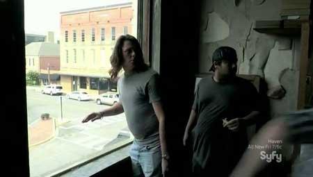 Thr33-Days-Dead-2014-movie-John-M.-Ware-(3)