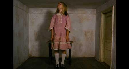 Alice-1988-movie-Jan-Svankmajer-Neco-z-Alenky-(2)