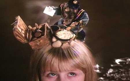 Alice-1988-movie-Jan-Svankmajer-Neco-z-Alenky-(6)