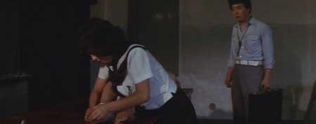 Female-Teacher-in-Rope-Hell-1981-movie-Shôgorô-Nishimura-(1)