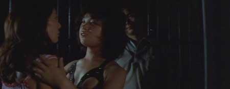 Female-Teacher-in-Rope-Hell-1981-movie-Shôgorô-Nishimura-(9)