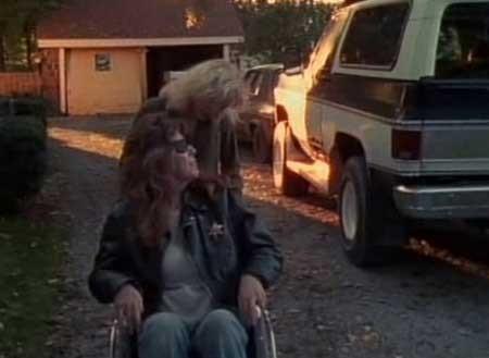 Skinned-Alive-1990-movie--Jon-Killough-(5)