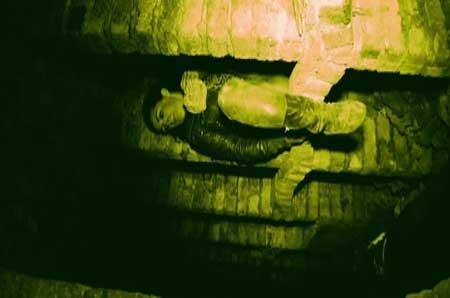 The-Inside-2012-movie-Eoin-Macken-(1)