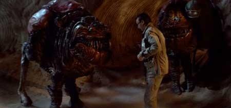 Invaders-from-Mars-1986-movie-Tobe-Hooper-(3)