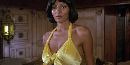 Foxy-Brown-1974-movie-Pam-Grier-(10)