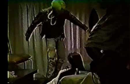 Rape-Panic-Mansion-1996-movie-Yoshifusa-Ide-(5)