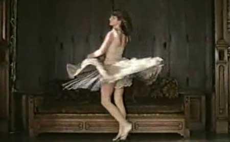 The-Strange-Case-of-Dr.-Jekyll-and-Miss-Osbourne-movie-Walerian-Borowczyk-(2)
