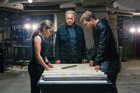 Terminator-Genisys-Resetting-the-Future--book-insight-editions-(1)