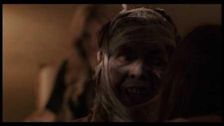 A-Blood-Story-2015-movie-Joe-Hollow-(7)