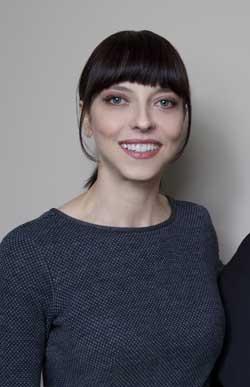 Interview-Juliet-Landau-A-Place-Among-the-Dead-(1)